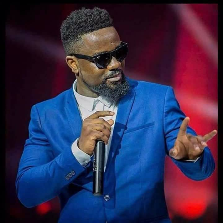 Download MP3 : Sarkodie x Lartiste – Tu mérites (Prod. by DJ Peet)   GhanaSongs.com - Ghana's ...